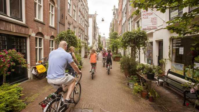 Ámsterdam: tour en bici de 3 horas por callejones y secretos