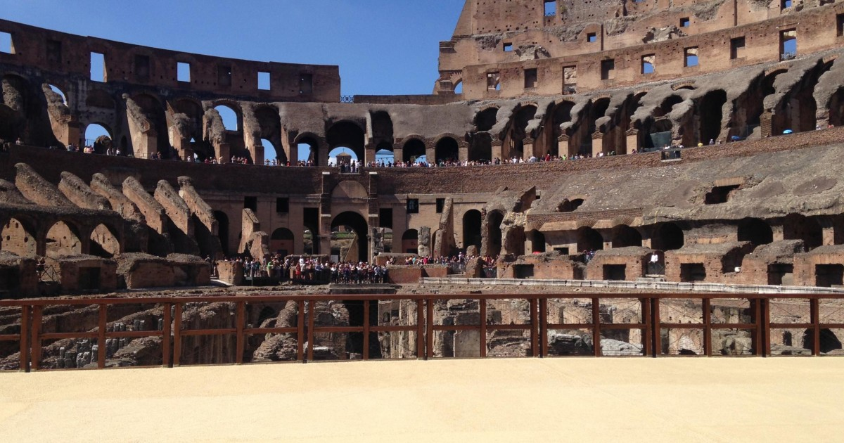 Colosseum med Arena Access och Ancient Rome Small