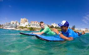 Half-Day Bondi Surf Experience with Beachside Lunch