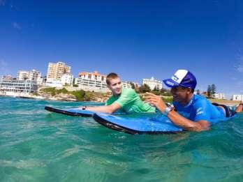 Bondi Beach: Halbtagstour mit Surfen & Mittagessen am Strand