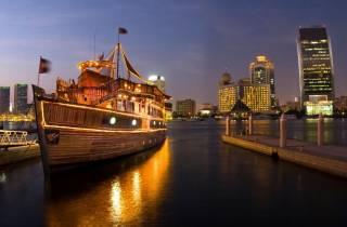 Dubai: 5-Sterne-Dinner Dhaufahrt auf dem Deira Creek