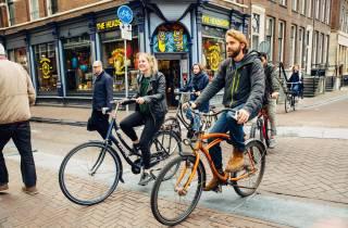 Amsterdam auf zwei Rädern: Private Fahrradtour mit Guide