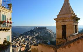 Ragusa: Sicilian Baroque Tour with Wine & Gourmet Food
