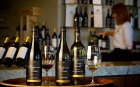 Yarra Valley: 2-Day Winery Tour with Luxury Overnight