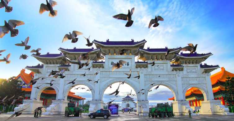 Taipei: Private Day Tour by Car