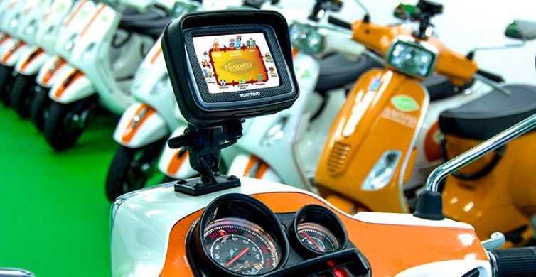 Barcelona: 24-Hour Vespa Rental and Tour with GPS