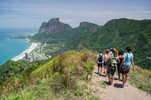 Rio de Janeiro: Vidigal Favela Tour and Two Brothers Hike