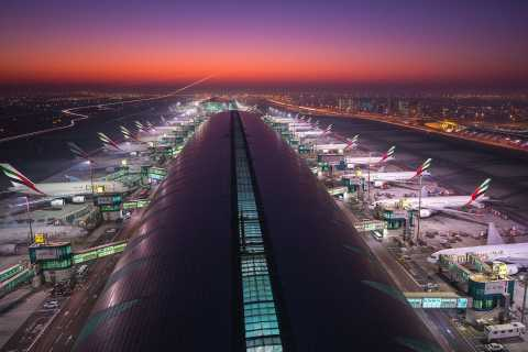 Desembarque no aeroporto de Ras Al Khaimah para o Aeroporto de Dubai