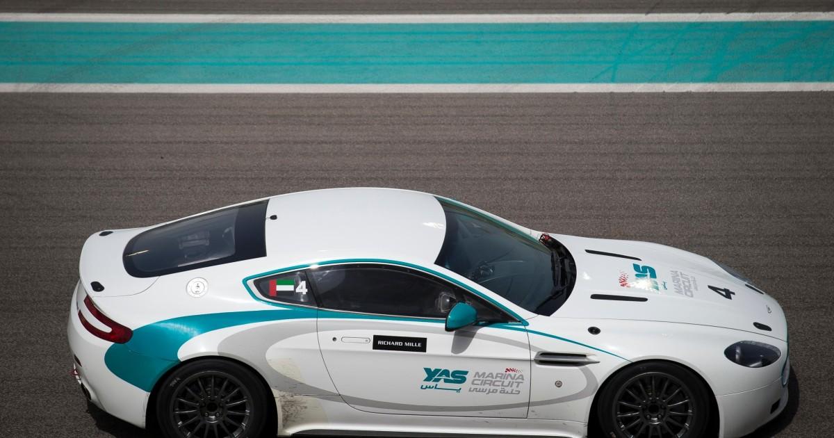 Yas Marina Circuit Fahrerlebnis Im Aston Martin Gt4 Getyourguide