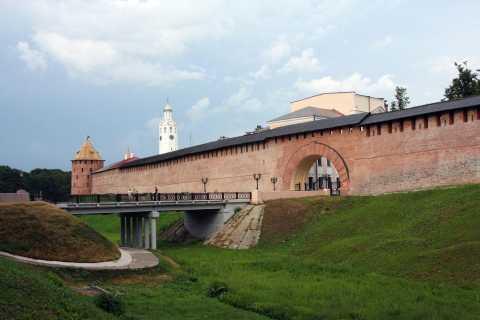 From St. Petersburg: Full-Day Tour to Velikiy Novgorod