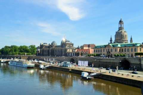 Dresden: Boat Cruise, Wine Tasting and Buffet in German