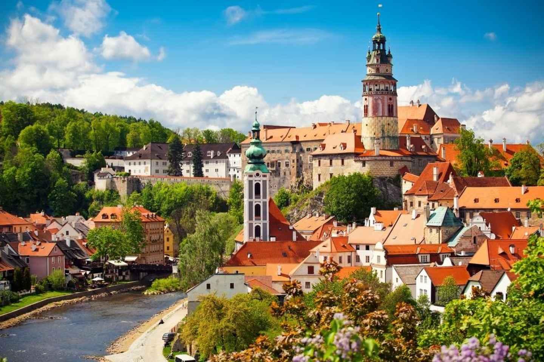 Český Krumlov: Tagesausflug ab Prag mit Tavernen-Mittagessen