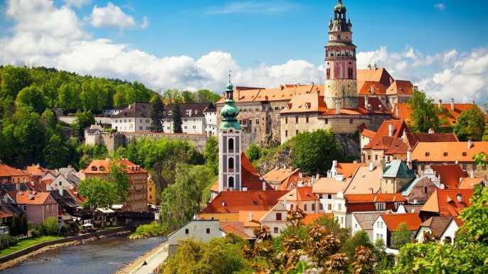 Český Krumlov: 1 día desde Praga con almuerzo en una taberna