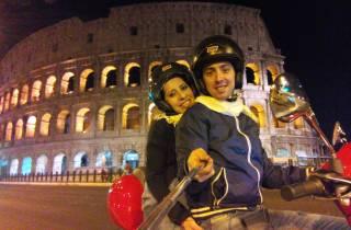 Erkundungstour durch Rom bei Nacht mit einer Vespa