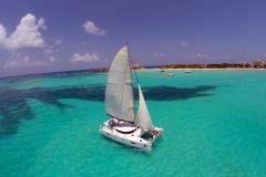 Isla Mujeres: Passeio Catamarã c/ Almoço, Open Bar e Snorkel