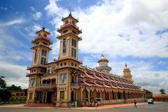 Excursão de 1 Dia ao Templo de Cao Dai e Túneis de Cu Chi
