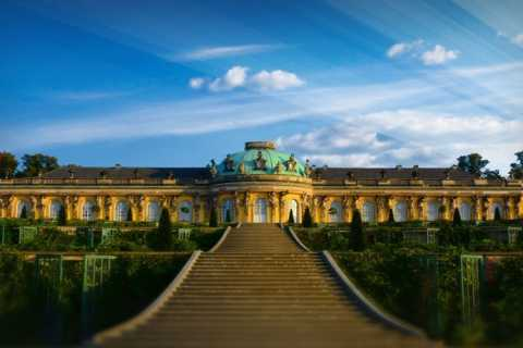 From Berlin: Guided Tour of Potsdam in Spanish
