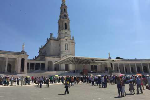 From Lisbon: Fátima, Batalha and Óbidos Private Tour