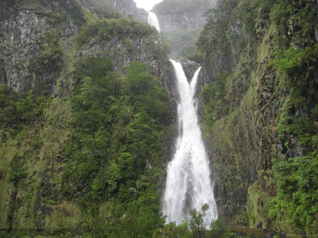 Madeira: daguitstap voor levadawandeling in de Rabaçalvallei