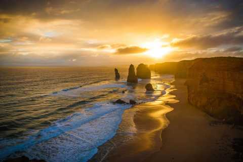 From Melbourne: Great Ocean Road Sunset Tour