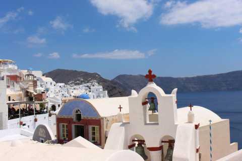 Santorini: Mesa Gonia, Pyrgos and Oia Tour