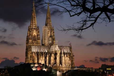 Cologne: Legends and History Tour in German