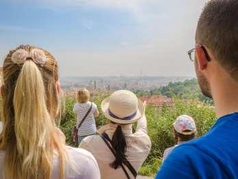 Best of Prag: Tour mit Bus, Boot und zu Fuß