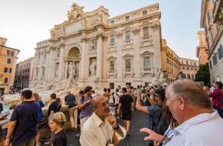 Piazzas von Rom: Kleingruppentour bei Sonnenuntergang