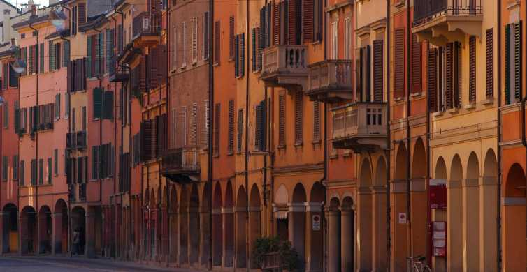 Bologna Theme Tour: the Oldest University in Europe