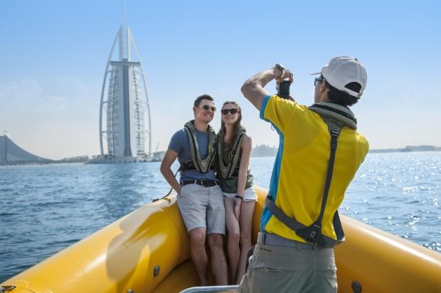 60, 74 of 99 minuten Dubai Marina Landmark met speedboot