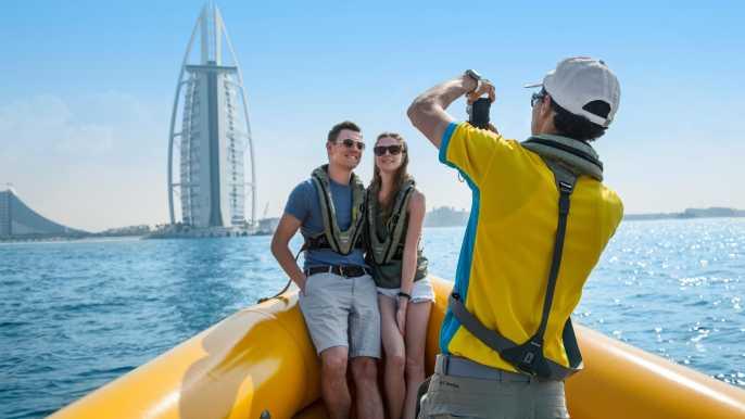 Dubái: crucero en lancha por el puerto de 60, 75 o 99min
