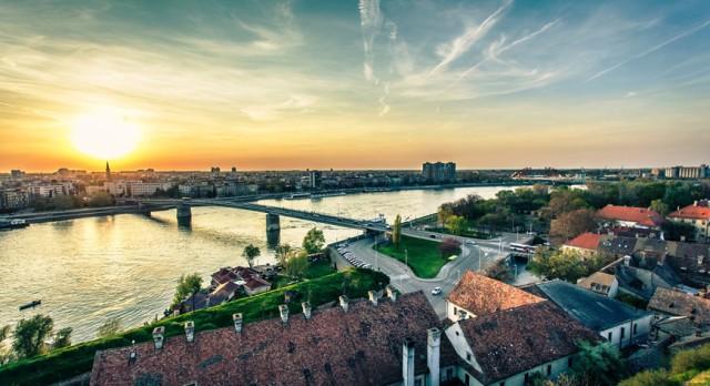 Van Belgrado: Novi Sad en Karlovci Sremski wijnproeverij