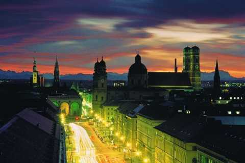 Munich Night Tour by Bus with Dinner and Olympic Tower
