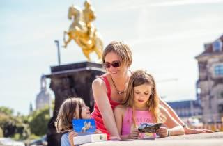 Dresden Neustadt: Schnitzeljagd-Box auf Deutsch
