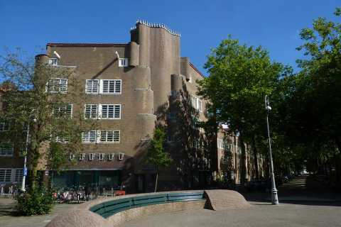 Amsterdam: 3-Hour Private History & Architecture Tour