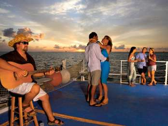 Key West: Party-Katamaran-Tour bei Sonnenuntergang