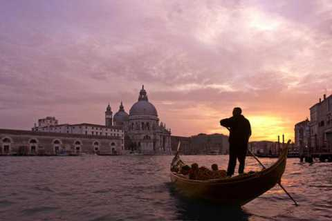 Venice: 30-Minute Gondola Ride
