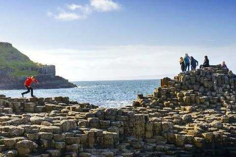 From Belfast: Giant's Causeway Full-Day Tour