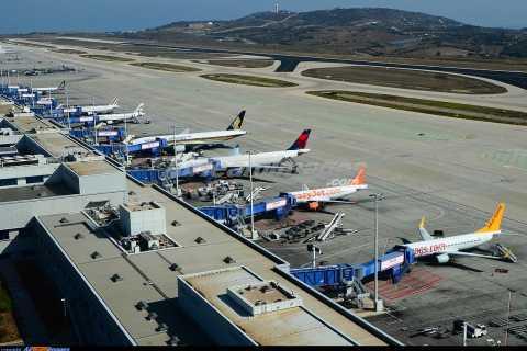 Piraeus naar Athene Airport V / V Transfer