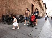 Familientag in Bologna, Ihr Weg