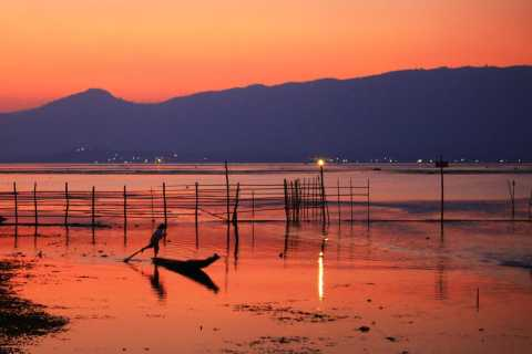 Inle Lake: Private 2-Hour Sunset Boat Ride