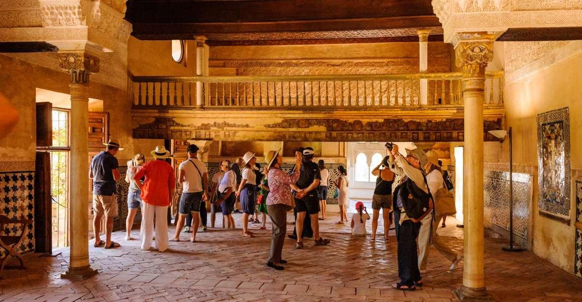 Granada: Alhambra och Nasridiska palatsen med snabbköbiljett