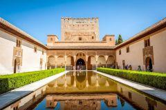 Granada: Ingresso sem Fila Alhambra e Palácios Nasridas