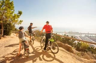Barcelona: E-Bike-Tour, Seilbahnticket & Segeltour