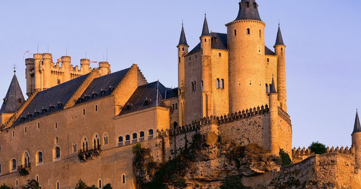 Segovia: Full-Day Tour with Transfer to and from Madrid