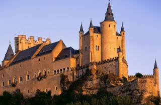 Segovia: Ganztagestour mit Transfer von und nach Madrid