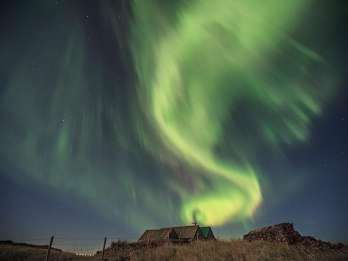 Ab Reykjavík: Jagd nach den Nordlichtern per Minibus