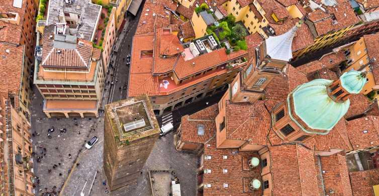 Bologna: 2-Hour Book a Like-Minded Local Host