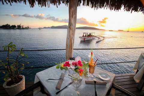 Bora Bora: Combo Sunset Cruise & Romantic Dinner