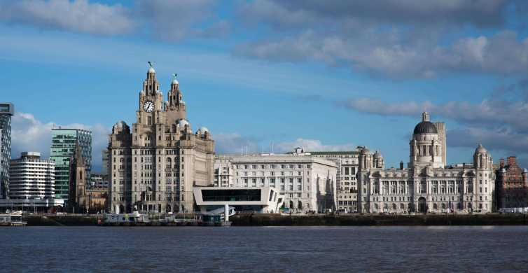 Liverpool: Private Walking Tour with a Local Host
